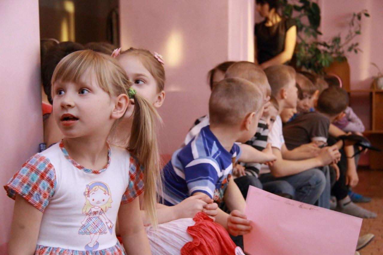 http://www.sibstrin.ru/uploads/gallery/pozdravlenie-rebyat-iz-baryshevskogo-detskogo-doma/150/fphZ0JBHQl8.jpg