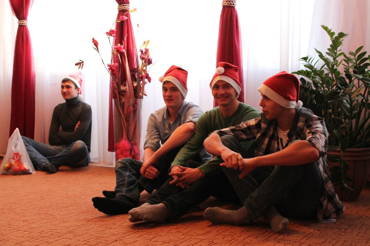 http://www.sibstrin.ru/uploads/gallery/pozdravlenie-rebyat-iz-baryshevskogo-detskogo-doma/150/A5klESeRk4A.jpg