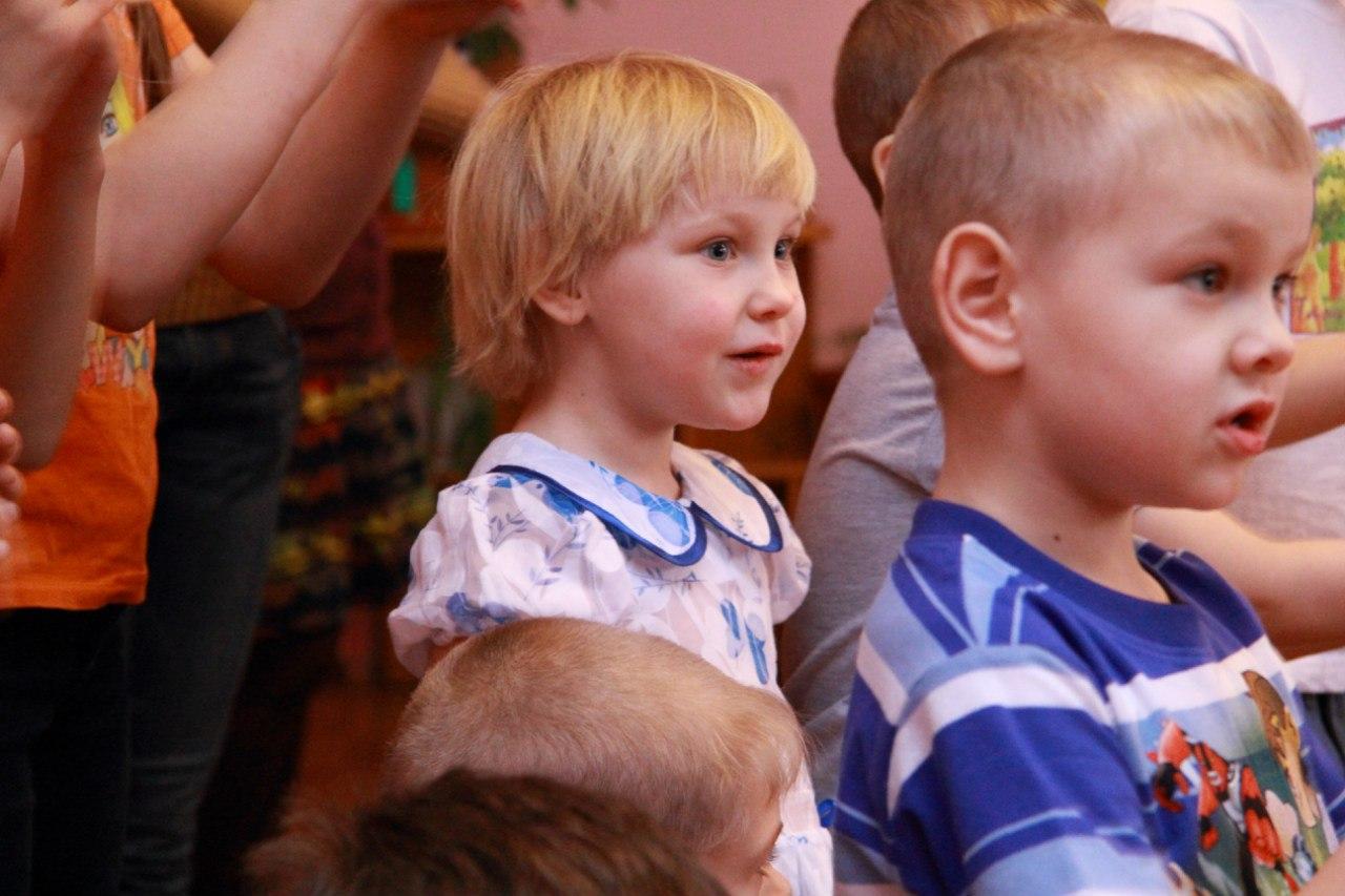 http://www.sibstrin.ru/uploads/gallery/pozdravlenie-rebyat-iz-baryshevskogo-detskogo-doma/150/gShx4Zv7uWw.jpg